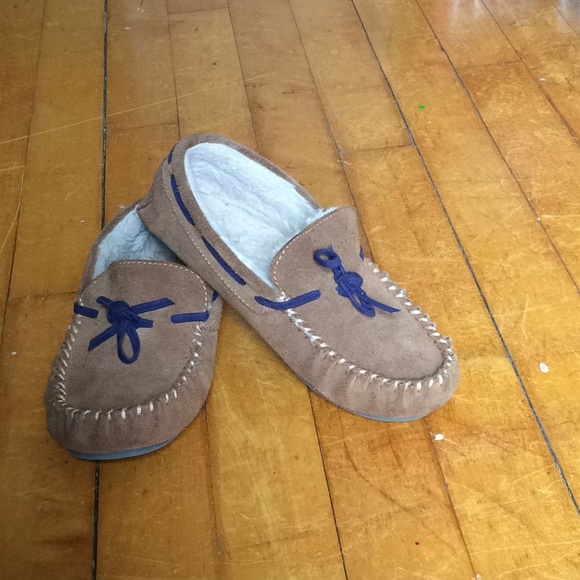 dbb17a24567 Boden Other - Brown Boden boys slippers